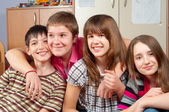 Happy teenage friends spending time together and having fun — Stock Photo