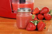 Homemade strawberry baby food — Stock Photo