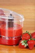 Fresh pureed strawberries — Stock Photo