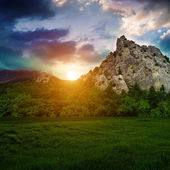 Dağlarda günbatımı — Stok fotoğraf