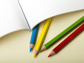 Papier i ołówek — Zdjęcie stockowe