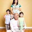 Happy Asian family — 图库照片