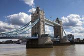 Tower bridge v londýně, velká británie — Stock fotografie