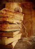 Стек старых книг — Стоковое фото