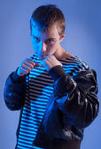 The teenager to prepare for fight — Stock Photo