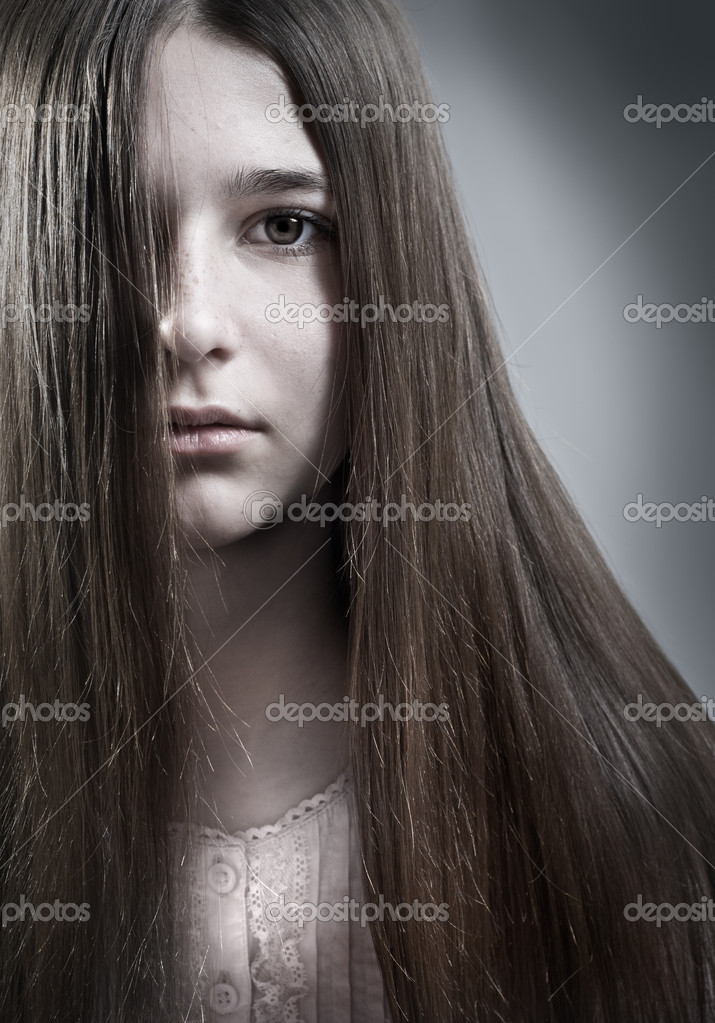 Portrait of a teenage girl of thirteen — Stock Photo #9877126