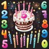 Fuegos artificiales, los números y pastel de cumpleaños feliz — Vector de stock