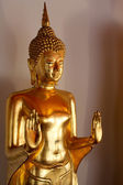 Golden Buddha in Wat Pho temple in Bangkok — Stock Photo