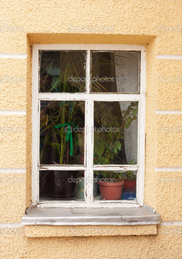 White window on yellow wall — Stock Photo #10243803