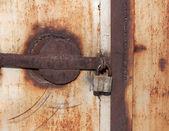 Gros plan d'un cadenas rouillé vintage — Photo