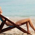 Beautiful woman in lounge on the beach. Phi phi island. Thailand — Stock Photo