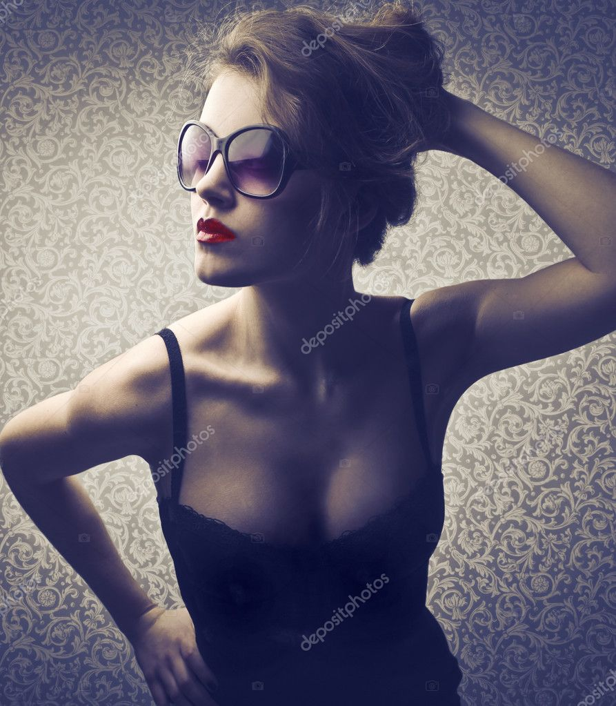 Beautiful woman with sensual pose  Stock Photo #8841926