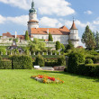 Castle of Nove Mesto nad Metuji with garden, Czech Republic - Stockfoto