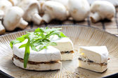 Cheese brie filled with roasted mushrooms — Stock fotografie