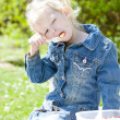 Little girl at picnic — Stockfoto #10480776