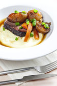 Beef stew with carrot and mashed potatoes — Stock Photo