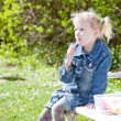 Little girl at picnic — Stock fotografie #9544017