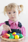 Portrait of little girl with Easter eggs — Stock fotografie