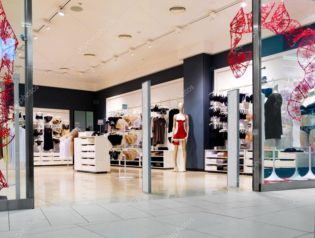 Interieur van lingerie winkel stockfoto toxawww 8027847 for Interieur winkels