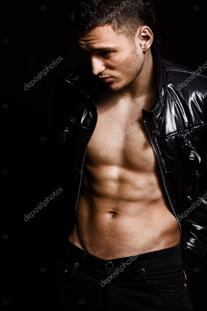 Fashion shot of muscular sexy handsome young man — Stock Photo #9920946