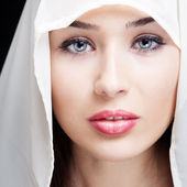 Face of beautiful woman with sensual eyes — Stock Photo