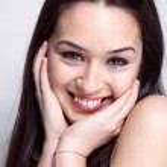 Natural smile of cute pretty woman — Stock Photo