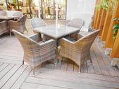 стол и стул — Стоковое фото