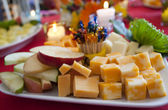 Cheese and fruit platter — Stock Photo