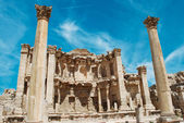 Ancient Jerash. Ruins of the Greco-Roman city of Gera at Jordan — Stock Photo