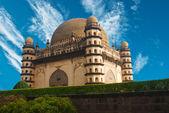 Golgumbaz, a Mughal mausoleum in Bijapur — Stock Photo