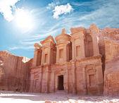 O mosteiro no mundo maravilha petra, jordânia — Foto Stock