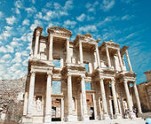 Facade of ancient Celsius Library in Ephesus, Turkey — Stock Photo