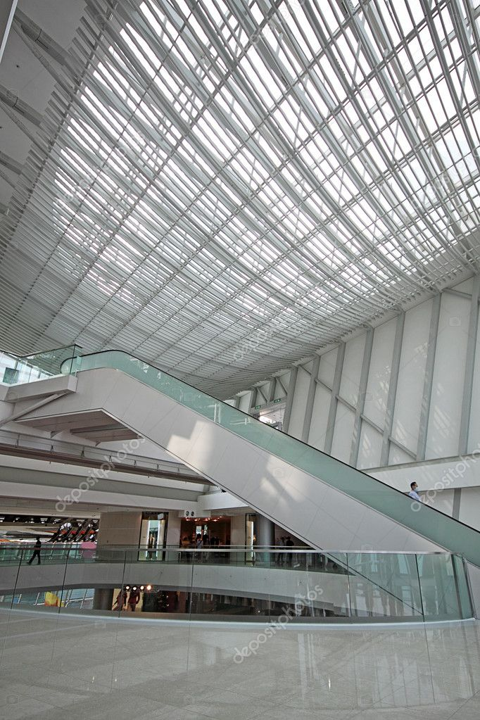 Escalator in the shopping mall — Stock Photo #10018128