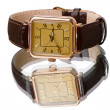 Gold wristwatch with strap — Foto Stock