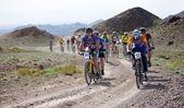 çöl dağ bisikleti maratonu — Stok fotoğraf