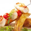 Chicken skewer and potato wedges — Stock Photo