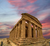 Ancient Greek temple of Concordia, Agrigento, Sicily — Stock Photo