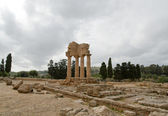 Ancient Greek Temple of the Dioscuri , Agrigento, Sicily — Stock Photo