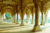 Gallery of pillars at Agra Fort. Agra, Uttar Pradesh, India — Stock Photo