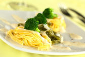 Broccoli and Pasta with Bechamel Sauce — Stock Photo