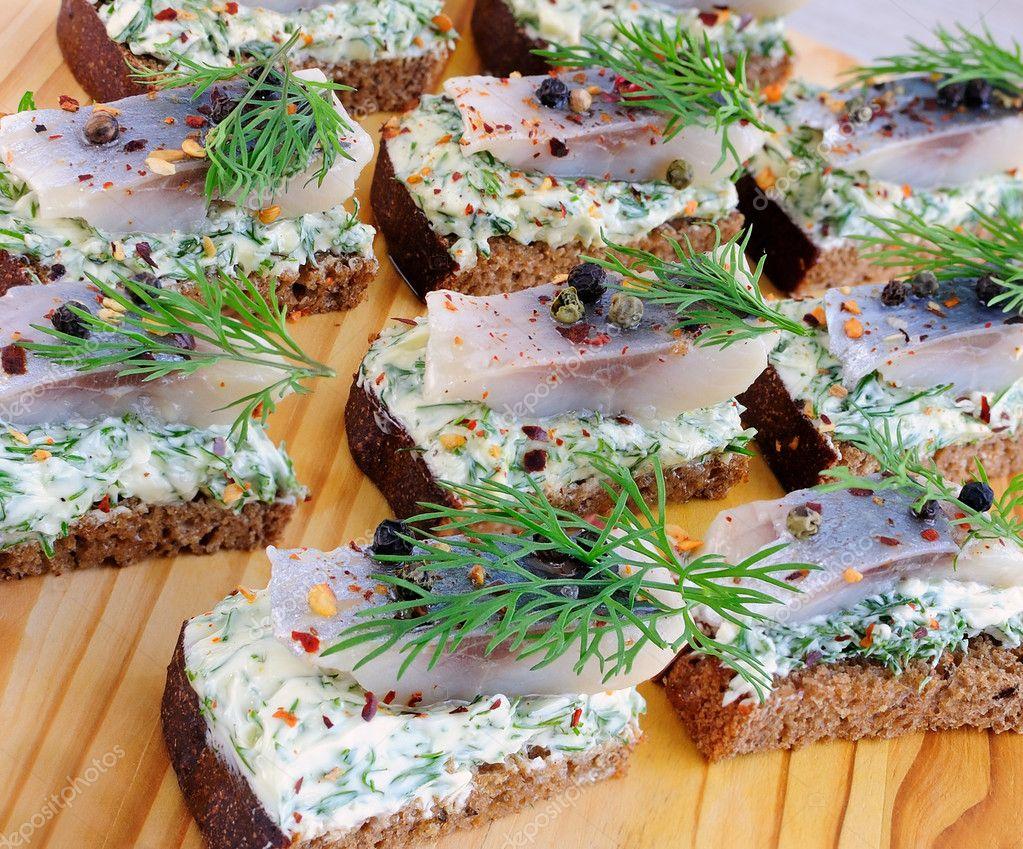 Бутерброды из бородинского хлеба на праздничный стол рецепты простые