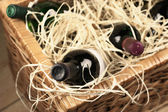 Picnic basket with wine — Stock Photo