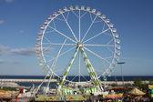 Ferris wheel in het pretpark van de feria de abril, — Stockfoto