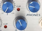 Volume adjustment knobs — Stock Photo