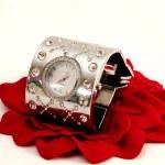 módní náramkové hodinky — Stock fotografie