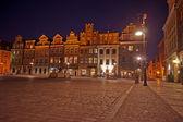 Antigo mercado da noite em poznan — Fotografia Stock