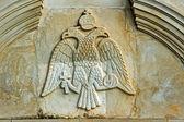 рельеф с герб в монастыре на острове закинф — Стоковое фото