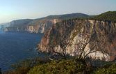 Costa de acantilado en la isla de zakynthos — Foto de Stock