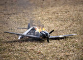 World war II crashed and burning airplane — 图库照片