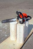 Serra e partes de logs — Foto Stock